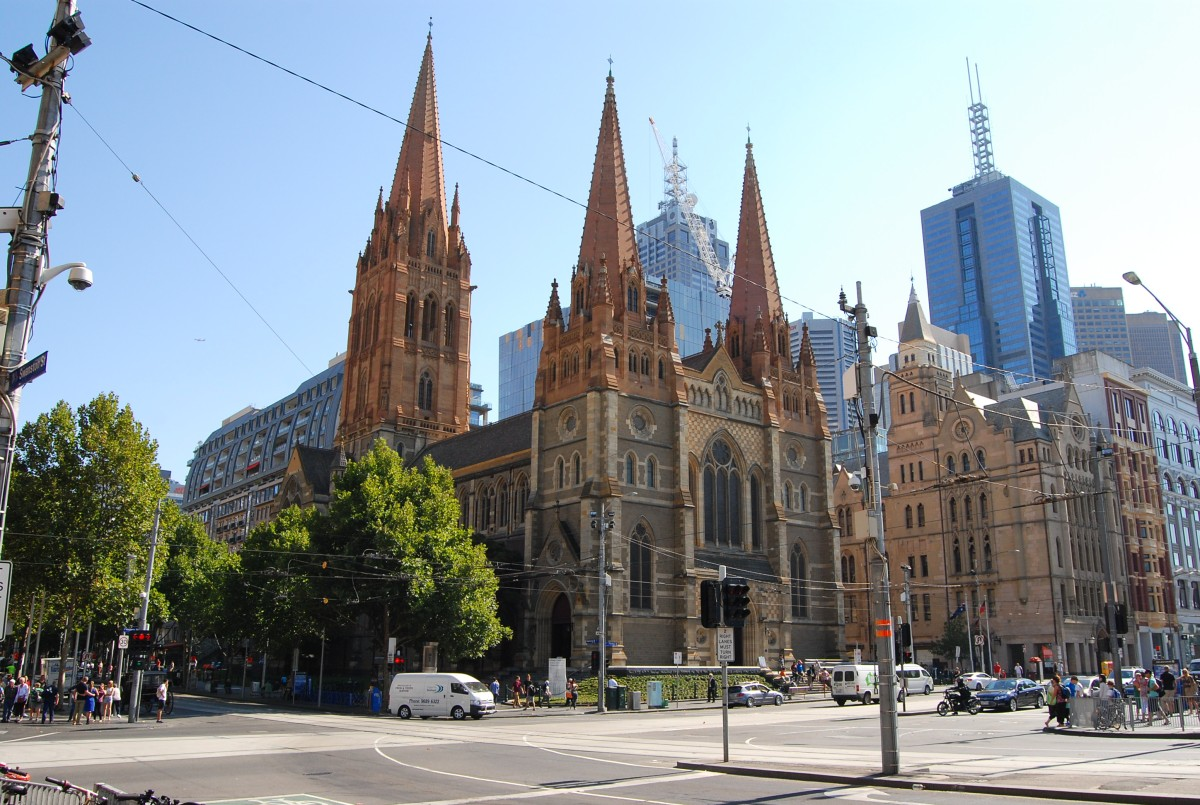 A spacious Hotel Apartment, a stones throw from the vibrant heart ofMelbourne..