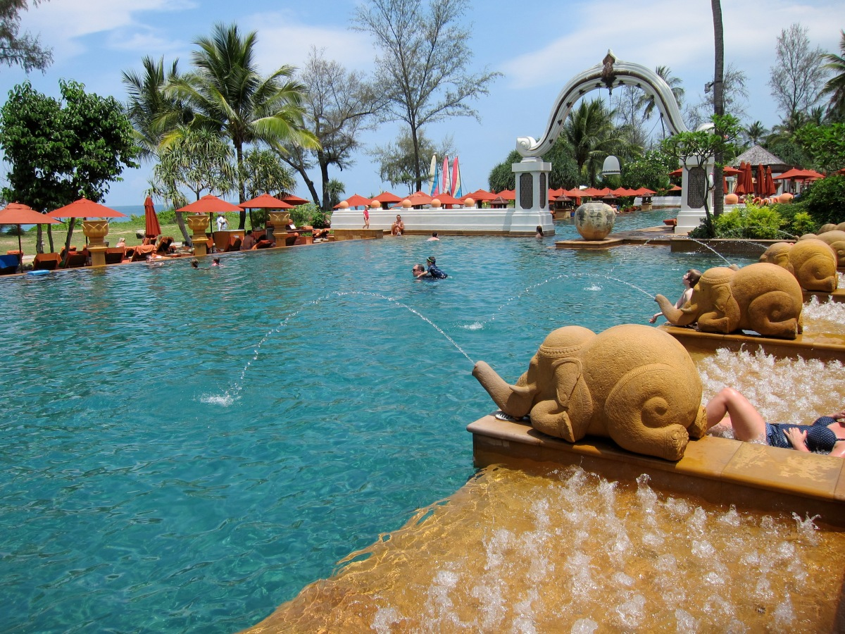 Pristine sand, beautiful pools, mouth-watering food.. a family-friendly hotel with a difference in Phuket,Thailand.